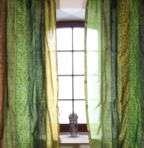 1 pair of curtains (2 pcs.) curtain made of patchwork fabric, one..