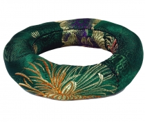 singing bowls cushion ring - green