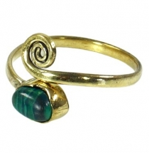 Brass toe ring, Goa jewellery with malachite - gold